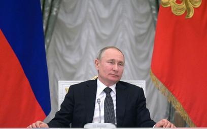 Putin: 900 propozycji poprawek do rosyjskiej konstytucji