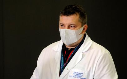 Członek Rady Medycznej: Amantadyna? Na razie nie zalecam