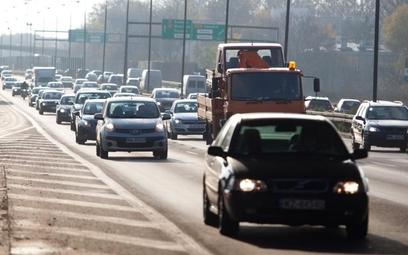 Kierowcy bez OC coraz częściej karani