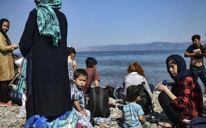 10 tys. nieletnich migrantów w Hiszpanii. Rząd chce ich przesiedlać z południa kraju