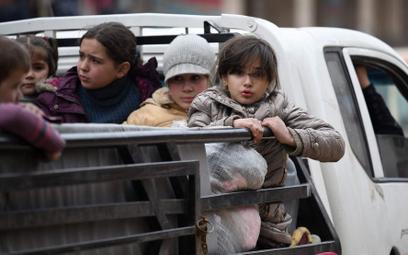 Północny zachód Syrii. Ucieczka przed bombami armii Baszara Asada i Rosjan