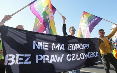 Sondaż: W Polsce wciąż większość przeciw prawom dla par tej samej płci