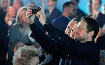 Sondaż: Czy Trzaskowski jest lepszym kandydatem od Kidawy-Błońskiej?