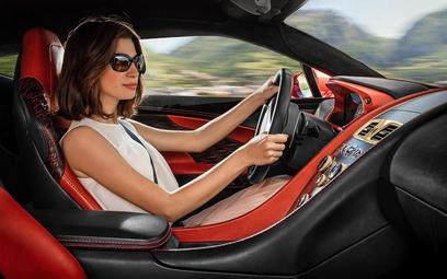 Aston Martin szuka kobiet