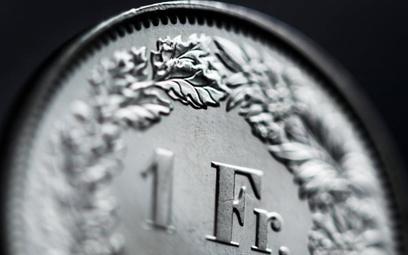 Kredyt we frankach czy w złotówkach?