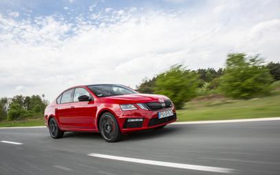 Sprzedaż nowych aut podkręca tempo