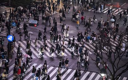 Japonia: 391 godzin nadgodzin urzędnika walczącego z COVID