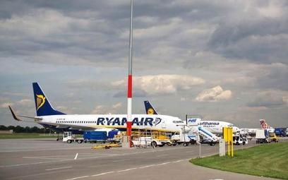 Ryanair zakłada bazę w Poznaniu i ogłasza siedem nowych tras