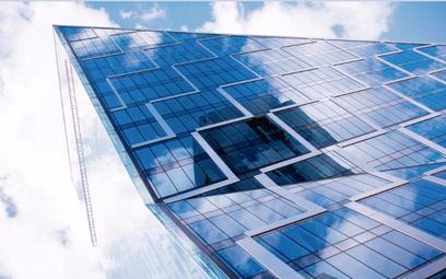 Budynek biurowy Chmielna 89 w Warszawie to przykład zastosowania technologii oszczędzających energię