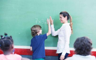 Szkoła nie może zwolnić nauczyciela ucznia, który podjął nieudaną próbę samobójczą