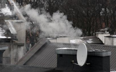 Koniec z paleniem węglem w Warszawie i okolicach. Podano datę