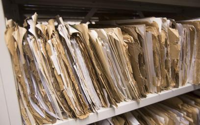 Co zrobić aby skrócić okres przechowywania akt pracowniczych osoby zatrudnionej przed 2019 r.