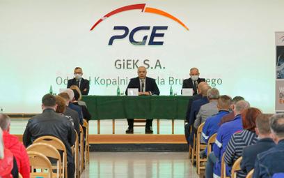 Wicepremier Jacek Sasin spotkał się zprzedstawicielami załogi ipowiedział: Niema mowy, żeby wyłąc