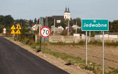 Kozubal: Ekshumacja IPN w Jedwabnem ma udowodnić, że strzelali Niemcy?