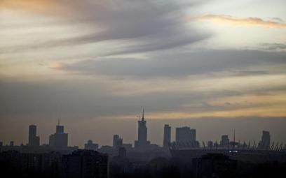 Podwyżki dla mieszkańców i cięcia inwestycji w stolicy