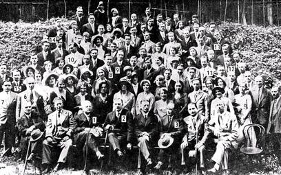 Lwowska szkoła matematyczna w1930 r. Na zdjęciu są widoczni m.in.: Leon Chwistek (nr 1), Stefan Ban