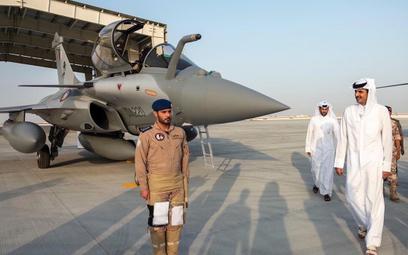 Ceremonia powitania pierwszych samolotów Dassault Rafale w bazie Dukhan. Fot./Rząd Kataru.