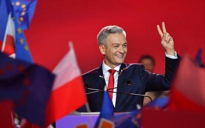 Dąbrowska: Biedroń sztandar wyprowadza