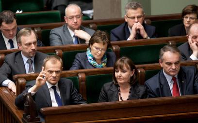 Koalicja murem za Ewą Kopacz