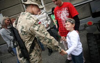 Zwolniony żołnierz nie odda uposażenia