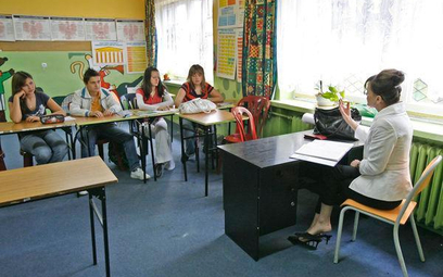 Świadczenie kompensacyjne a pomoc zdrowotna dla nauczyciela