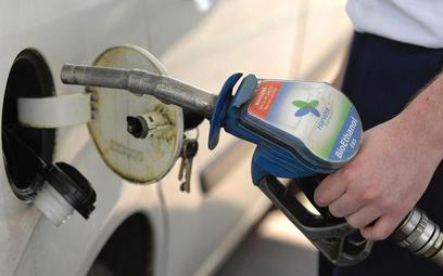 Rafinerie i budżet dopłacają do biopaliwa