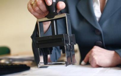 Kto poświadcza zgodność kopii dokumentów w przetargu
