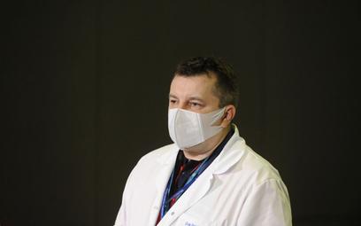 """Koronawirus w Polsce. Dyrektor Szpitala Narodowego: Możliwa """"kumulacja"""" zakażonych"""