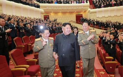 ONZ: Korea Północna omija sankcje. Merkel gotowa do mediacji w konflikcie