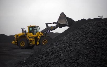 Pikieta górników z kopalni Makoszowy przed domem Szydło