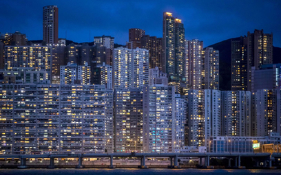 Ludzie uciekają z Hongkongu. Pieniądze na razie zostają