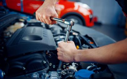 Naprawa samochodu to umowa o dzieło