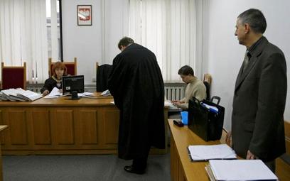 Polacy bardzo źle oceniają wymiar sprawiedliwości i nie ufają prawnikom