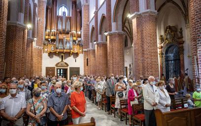 Trwa liczenie wiernych w kościołach