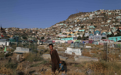 Pandemia: 77 proc. uciekających przed wojną i prześladowaniami straciło pracę