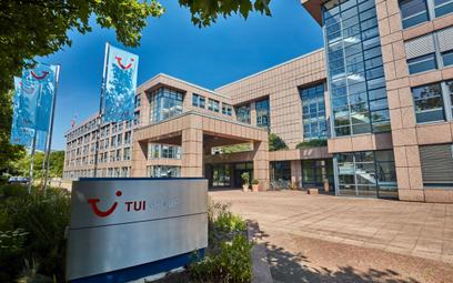 TUI sprzedaje przez Booking.com