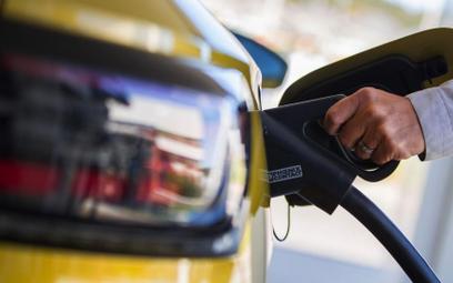 Nowe auta już tylko na prąd od 2035 r.?
