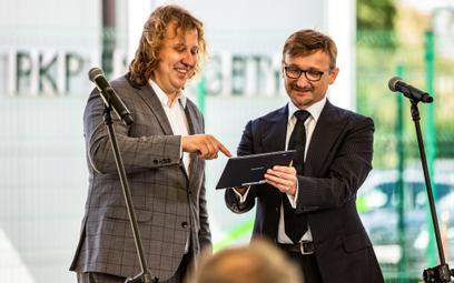 Uroczyste otwarcie magazynu energii – od lewej Piotr Obrycki, prof. Grzegorz Benysek