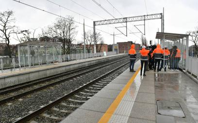 Na kolei realizuje się czarny scenariusz. Brak pieniędzy rujnuje plany