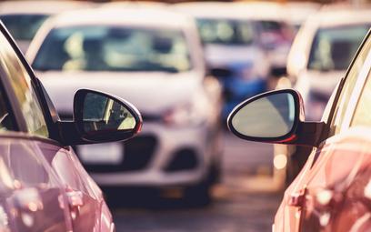 PIT: prawo do parkowania pod firmą nie jest nieodpłatnym świadczeniem - interpretacja podatkowa