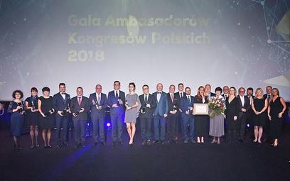 Polskim kongresom przybyło ambasadorów