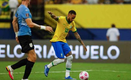 Neymar w meczu z Urugwajem