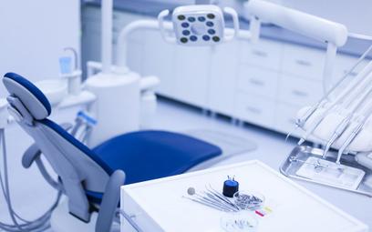 Finlandia: Osiem miesięcy czekania na wizytę u dentysty