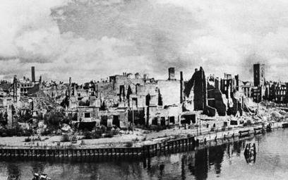 Panorama zniszczonego Królewca w 1945 r.