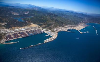 Widok na Tanger Med I i Tanger Med II, port w Tangerze i strefę ekonomiczną.