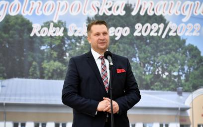 Minister edukacji i nauki Przemysław Czarnek przemawia podczas ogólnopolskiej inauguracji roku szkol