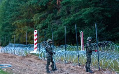 Żołnierze na granicy Polski z Białorusią