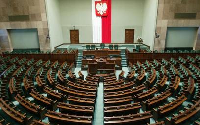 Sejm idzie na długie wakacje