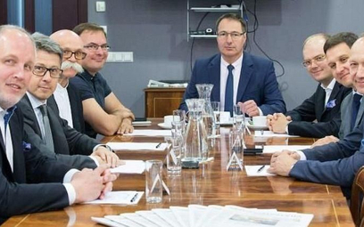 Od lewej: Dariusz Futoma, dyrektor zarządzający Horwath HTL, Marcin Szewczykowski, członek zarządu i