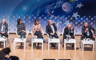 W sesji plenarnej wzięli udział: Ryszard Terlecki, wicemarszałek Sejmu RP, Oksana Syroid, zastępca p